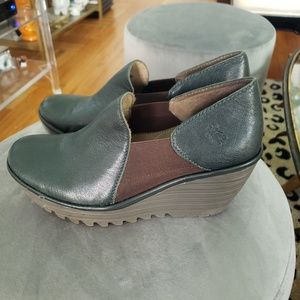 Green leather London Fly slip-on shoes
